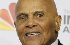 Actor and singer Harry Belafonte arrivesat the 43rd NAACP Image Awards in Los Angeles